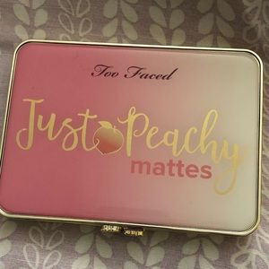 Too Faced: Just Peachy Mattes
